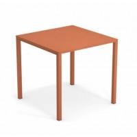 Table URBAN de Emu, Rouge d