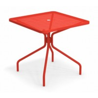 Table carrée CAMBI de Emu, 3 tailles, 8 coloris