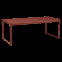 Table BELLEVIE de Fermob, ocre rouge