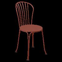 Chaise OPÉRA + de Fermob, ocre rouge