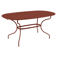 Table ovale 160x90 OPÉRA + de Fermob, ocre rouge