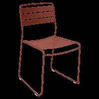 Chaise SURPRISING de Fermob, ocre rouge