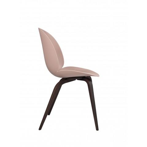 Chaise BEETLE unupholstered Wood base de Gubi, Pieds Chêne Smoke, Sweet pink