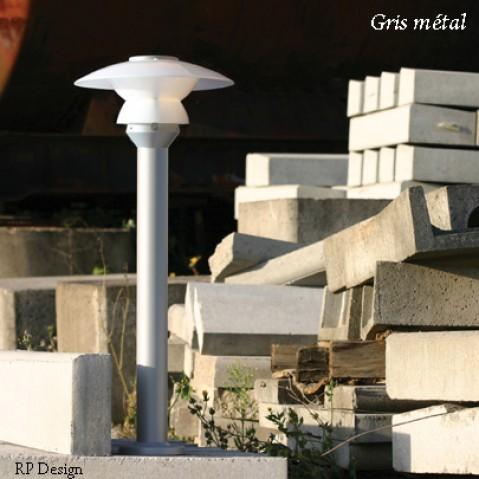 Borne STRATOS de Roger Pradier, Gris métal