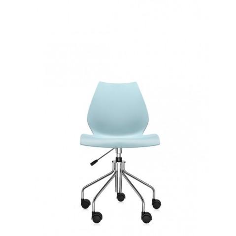 Chaise avec roulettes MAUI de Kartell, Bleu clair
