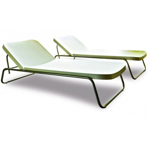 Chaise longue TIME OUT de Serralunga blanc inclinable