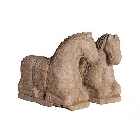 Cheval en pierre de Flamant