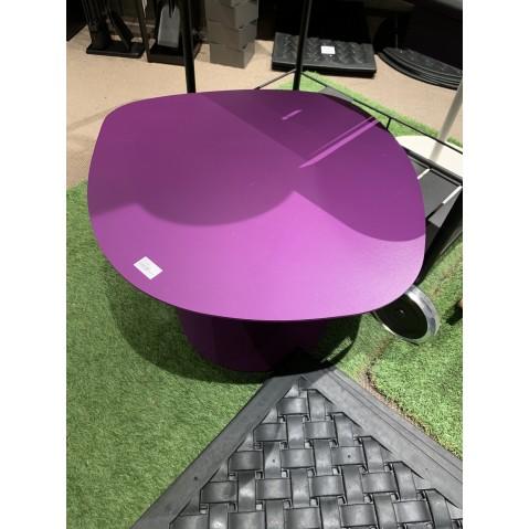 Table basse GALET de Matière Grise, violet, modèle d'exposition