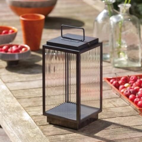 Lanterne portable BLAKES de Nautic - LED bronze patiné foncé verre rainuré