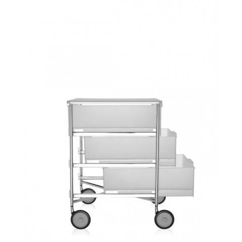 meuble de rangement mobil trois tag re de kartell blanc glace avec roulettes. Black Bedroom Furniture Sets. Home Design Ideas