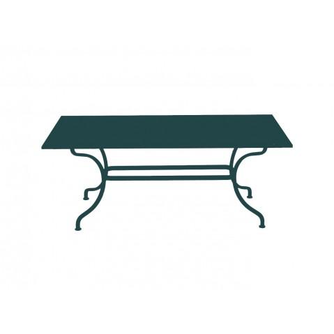 Table ROMANE 180 cm de Fermob cèdre