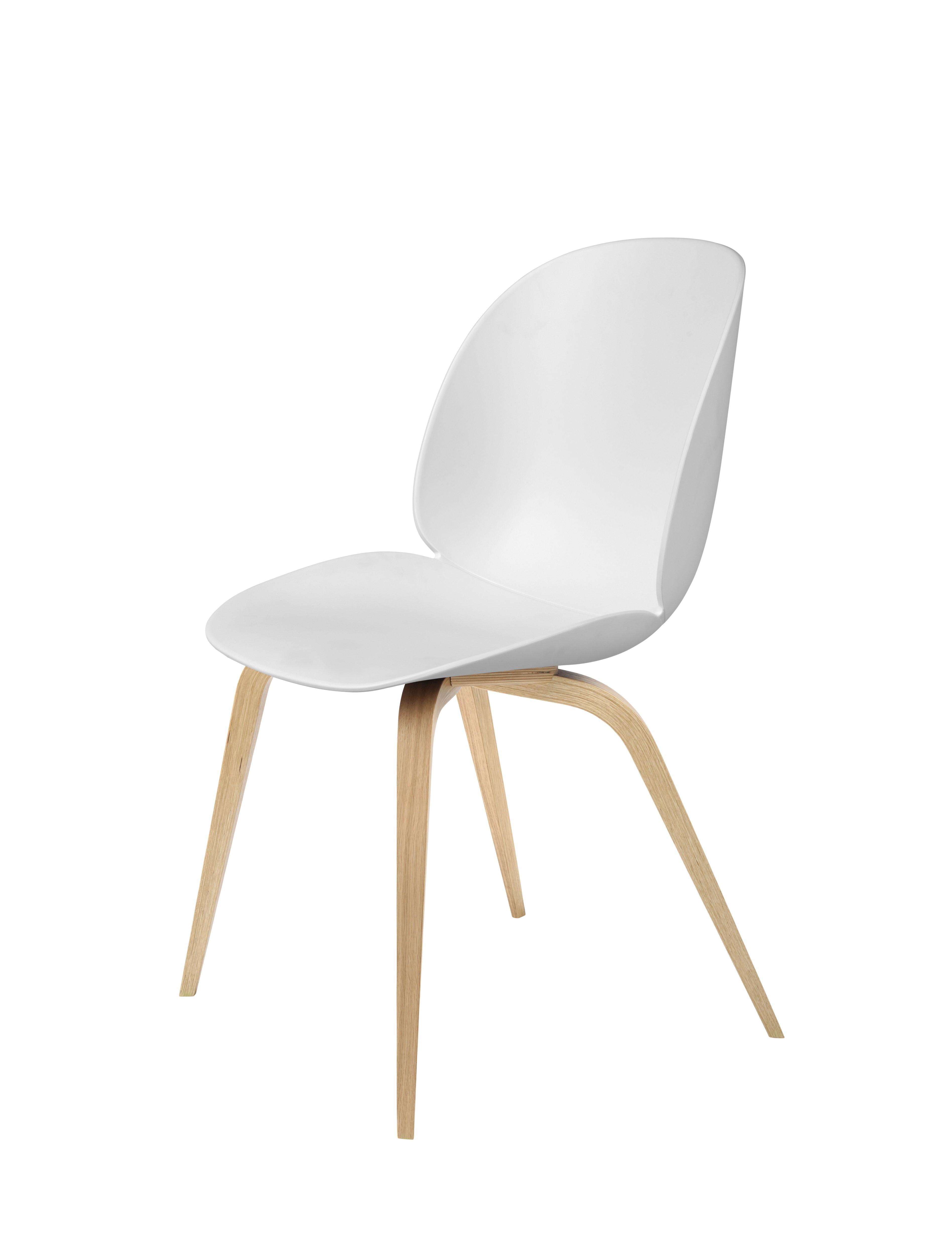 Chaise BEETLE unupholstered Wood base de Gubi, Pieds Chêne, Blanc