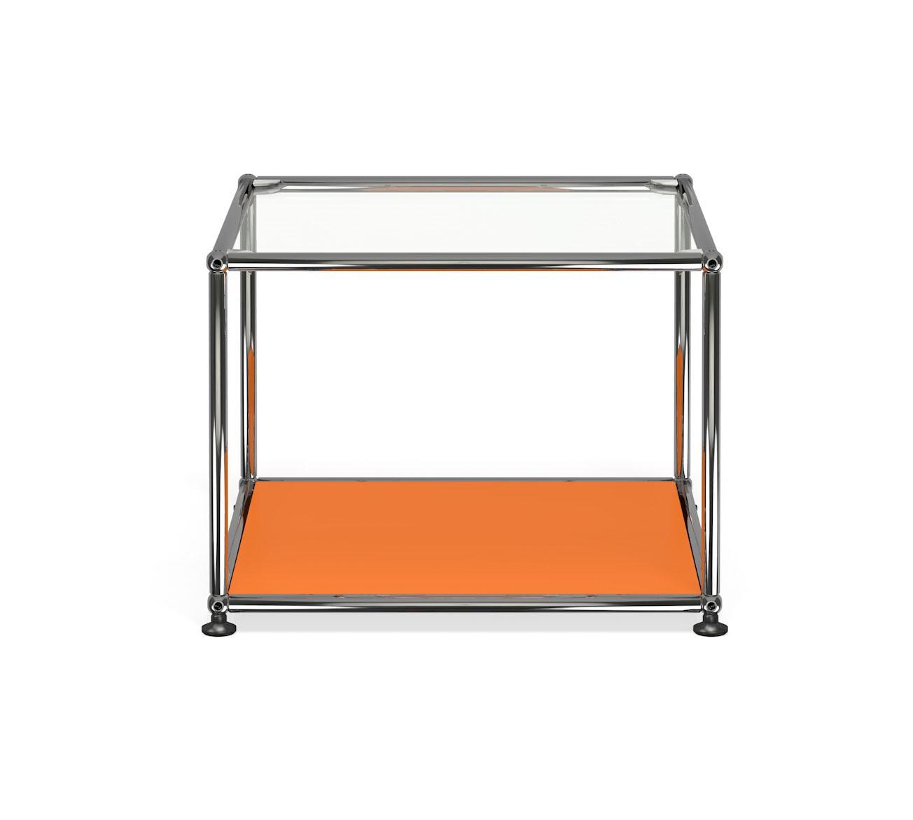 petite table basse carr e usm haller m17 orange pur. Black Bedroom Furniture Sets. Home Design Ideas