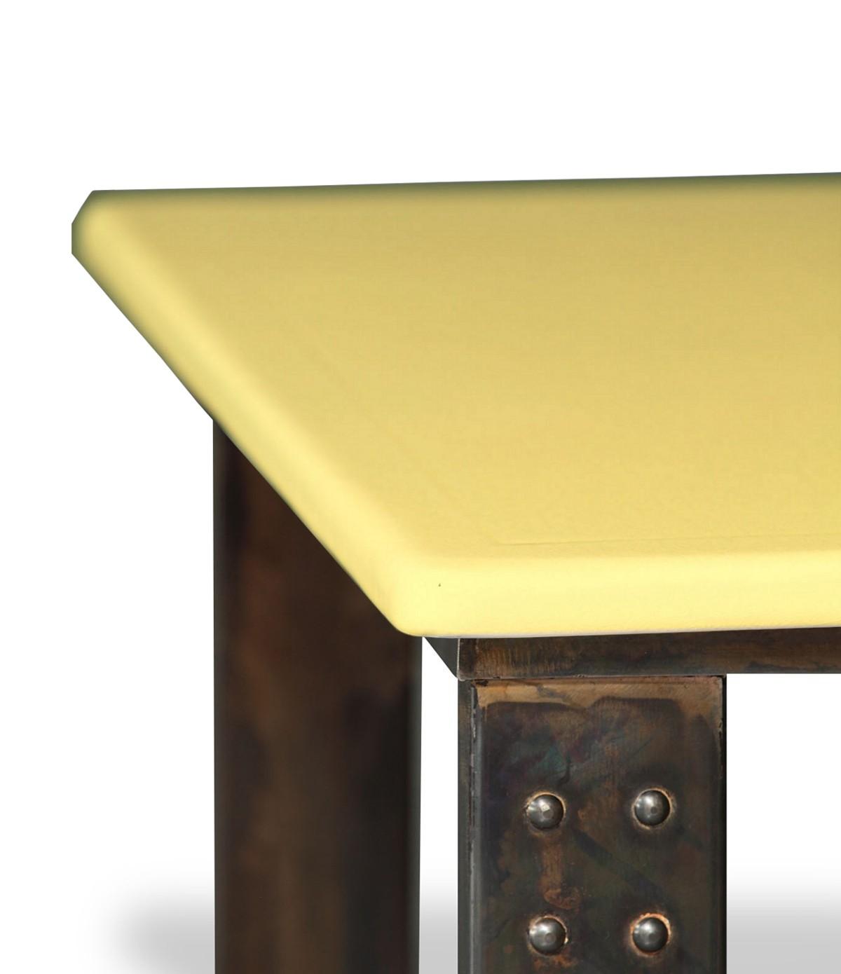 table basse en pierre de lave miel atelier. Black Bedroom Furniture Sets. Home Design Ideas