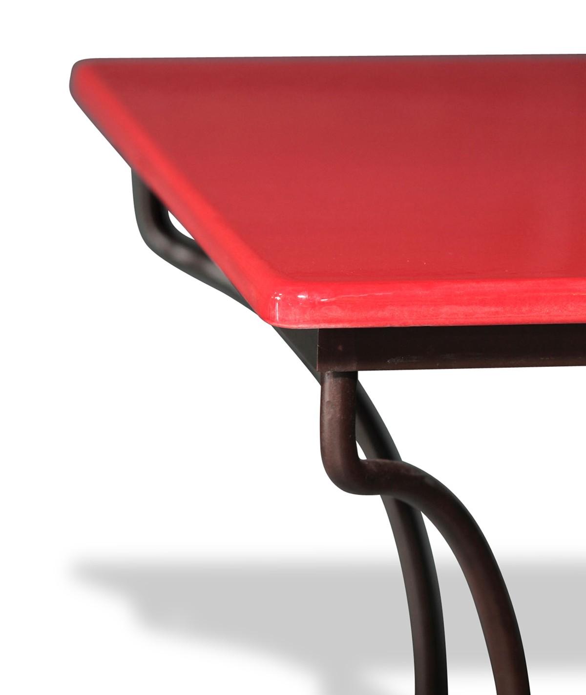 table en pierre de lave maill e rouge pied directoire. Black Bedroom Furniture Sets. Home Design Ideas