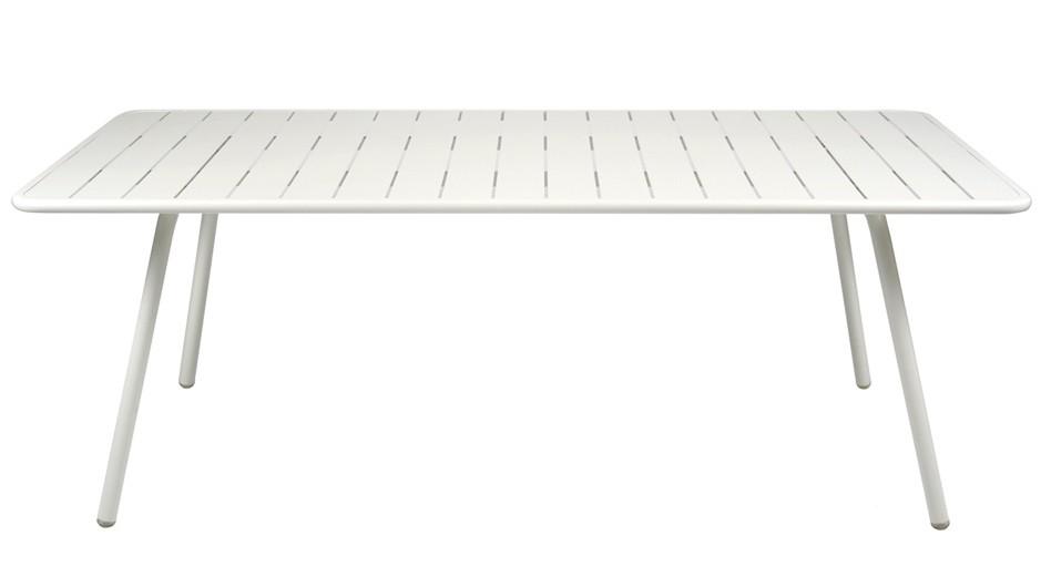 Table luxembourg pour 8 personnes de fermob blanc coton for Table pour 8 personnes