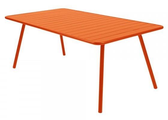 Table luxembourg pour 8 personnes de fermob carotte for Table pour 8 personnes