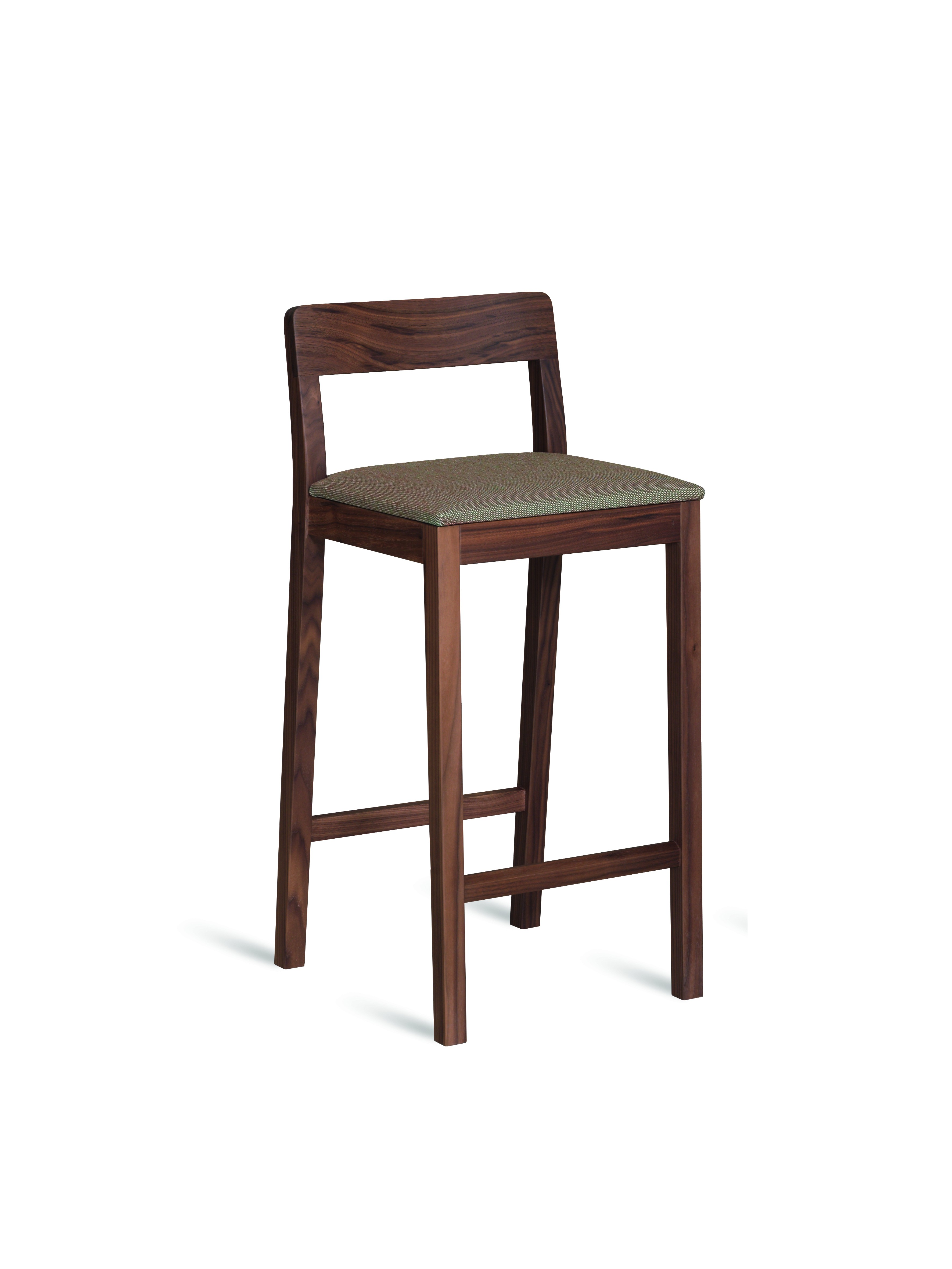 tabouret de bar sit de zeitraum couleur noyer hauteur 65 cm. Black Bedroom Furniture Sets. Home Design Ideas